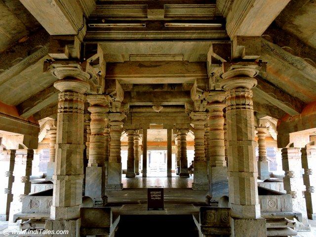 १००० स्तम्भ मंदिर का सभा मंडप - मूडबिद्री