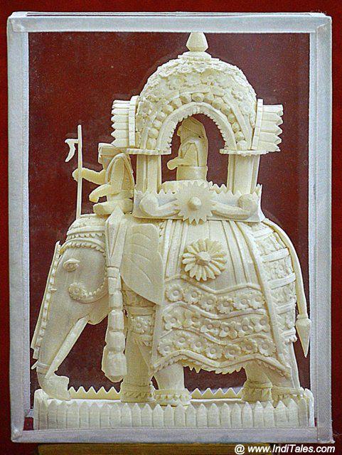 सोलापीठ में गढ़ा हाथी