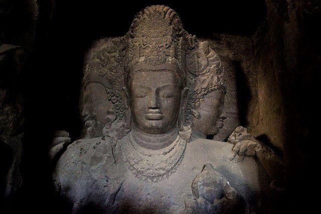 त्रिमूर्ति - एलिफंटा की सबसे प्रमुख मूर्ति