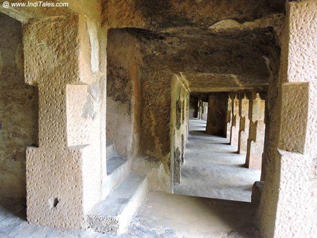 उंदावल्ली गुफाओं के स्तम्भ