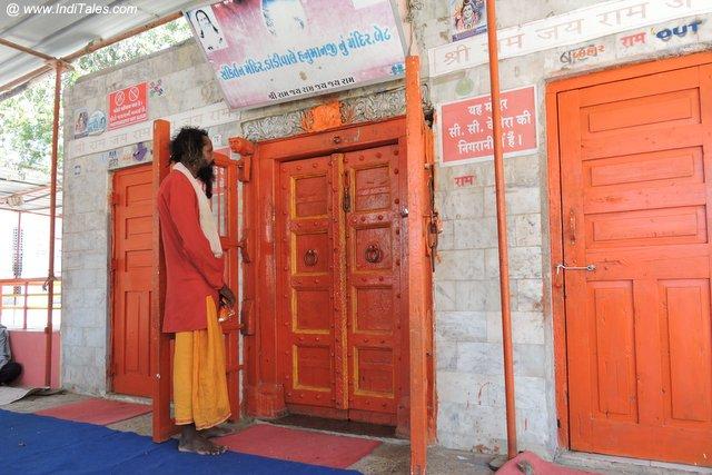 दांडी हनुमान एवं मकरध्वज मंदिर - बेट द्वारका