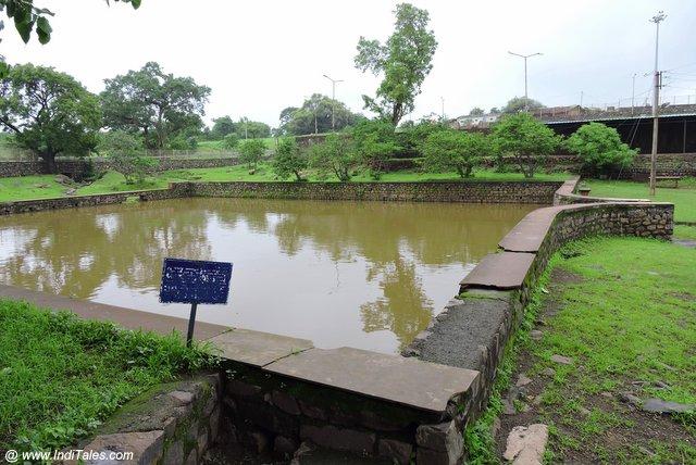 नीलकंठ महादेव मंदिर का ताल - मांडू