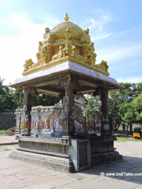 एकम्बरेश्वर मंदिर का नंदी मंडप
