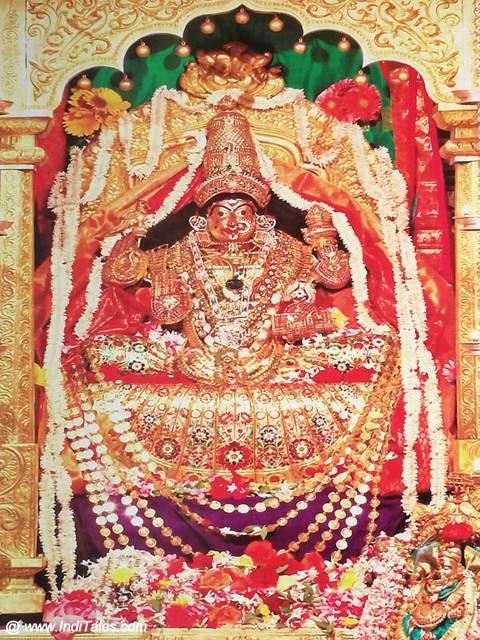 शारदाम्बा के रूप में देवी सरस्वती