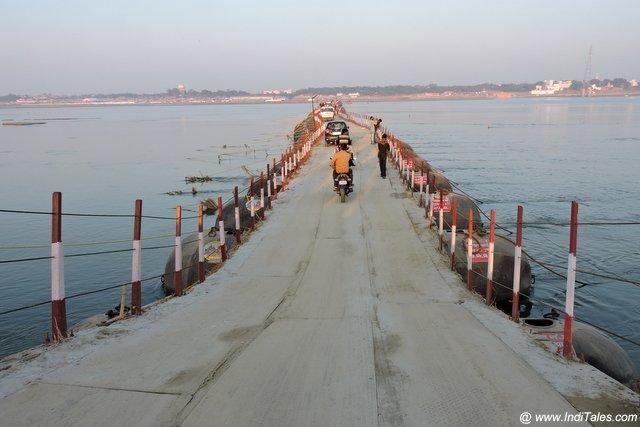 गंगा यमुना पे बने अनेक पीपा पुल - प्रयागराज कुम्भ मेला
