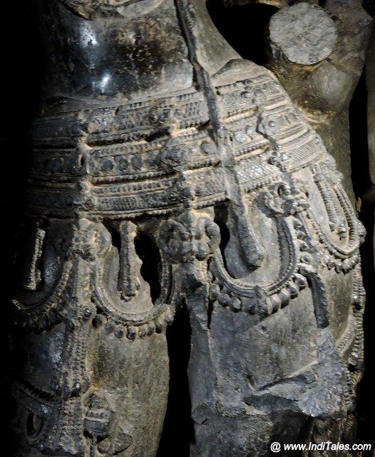द्वारपाल प्रतिमा - कोपेश्वर मंदिर खिद्रापुर