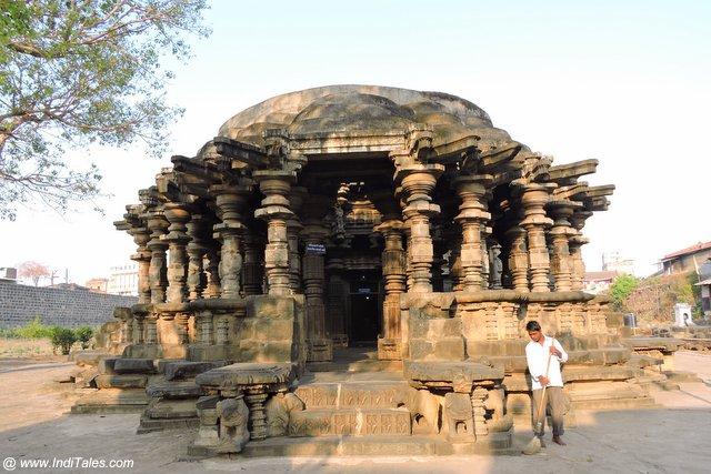 स्वर्ग मंडप - कोपेश्वर मंदिर खिद्रापुर महाराष्ट्र