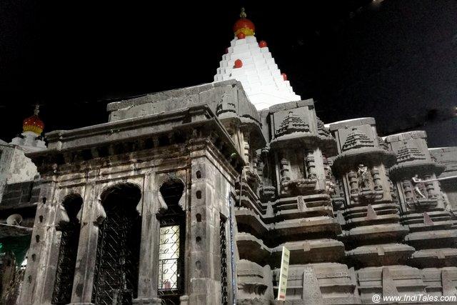 महलस्क्ष्मी मंदिर का वास्तुशिल्प