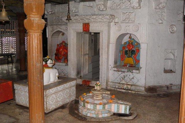 पेशवा काल का शिव मंदिर - जीर्णोधार २०११