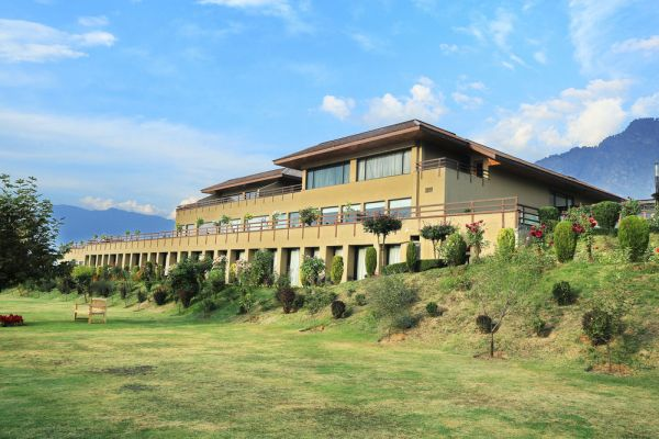 Hotel Vivanta by Taj at Srinagar