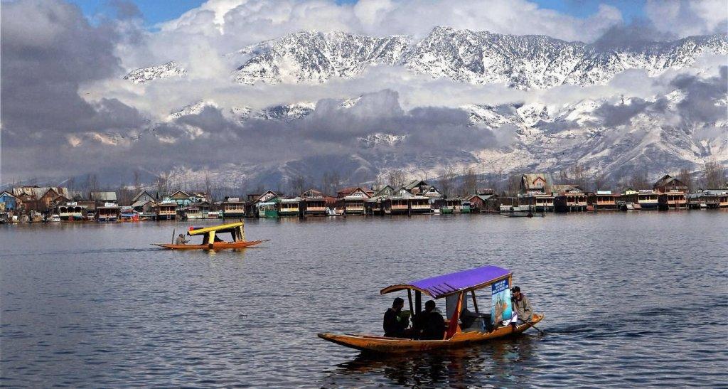 Dal lake, srinagar