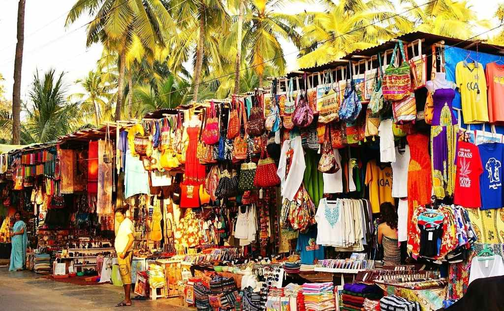 calangute market