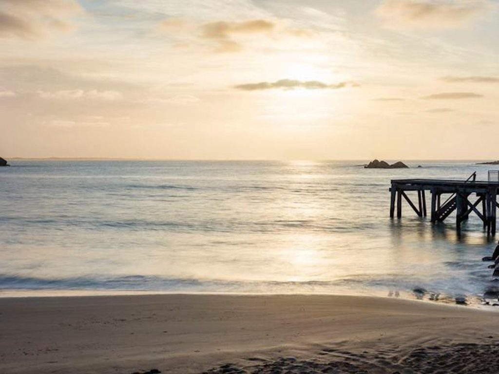 elliot beaches