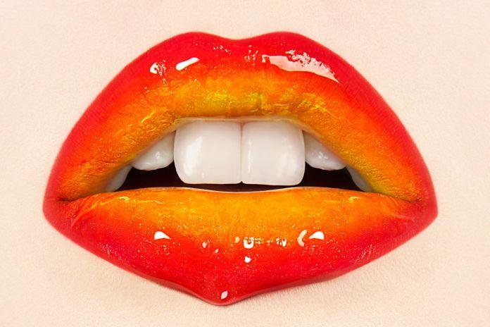 8-Easy-Ways-to-Use-Lipstick