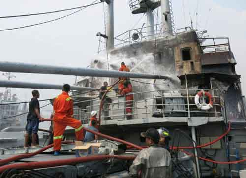 Penampakan anjungan setelah api berhasil dikuasai.