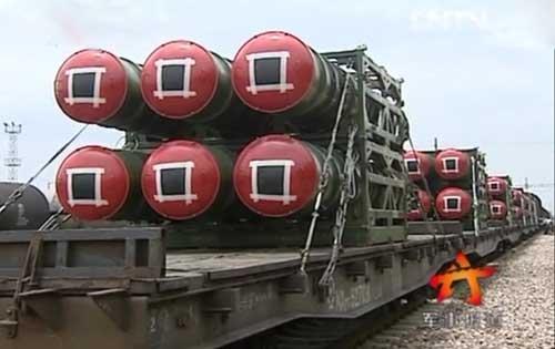Guna menjamin kesiapan logistik rudal, militer Cina sampai menggunakan wahana kereta api sebagai missile carrier.