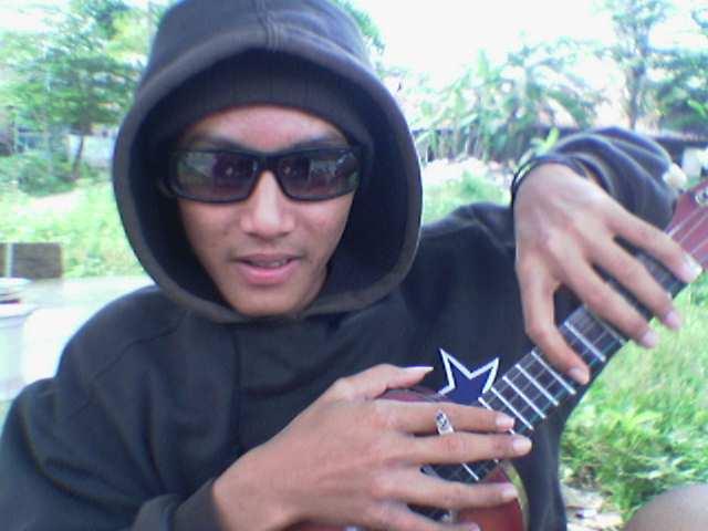 https://i2.wp.com/www.indonesiaindonesia.com/imagehosting/images/39860/1_Anak_gaul.jpg