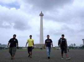 Tugu Monumen Nasional Jakarta - Panduan Wisata Indonesia - Indonesia Traveller Guide