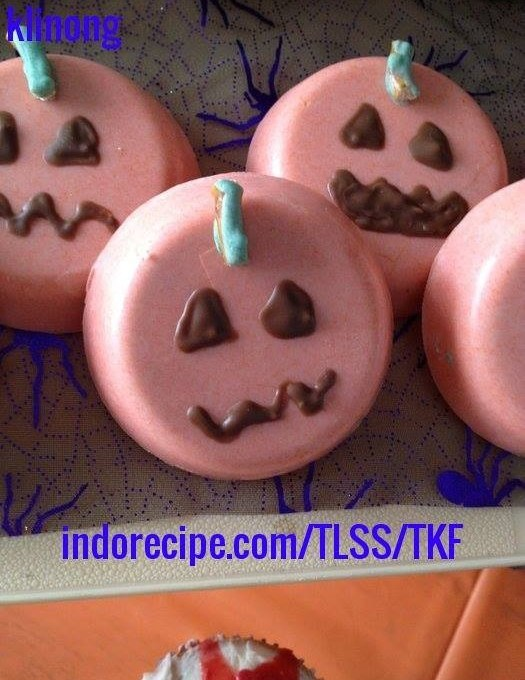 Scary Pumpkin – Chocolate Covered Cookies