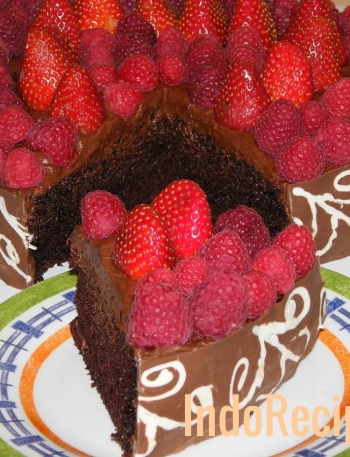 Chocolate Cake with Homemade Chocolate Band/Chocolate Collar