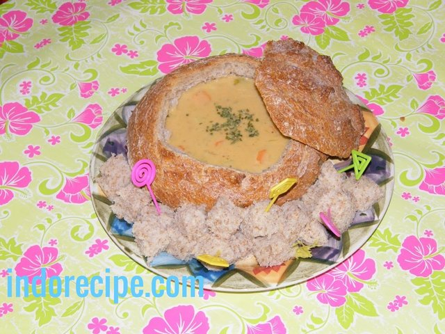 Beer Cheese Soup – Served In Bread Bowl