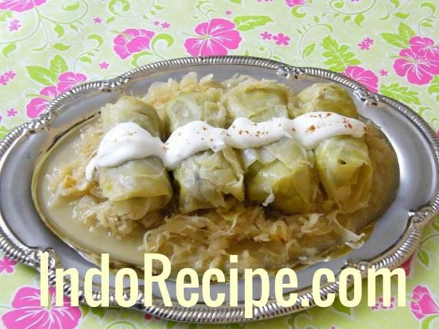 Hungarian Stuffed Cabbage (Toltott Kaposzta)