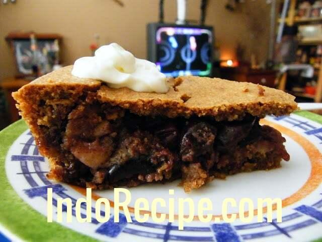 Dios Cseresznyes Lepeny (Black Cherry Walnut Pie)