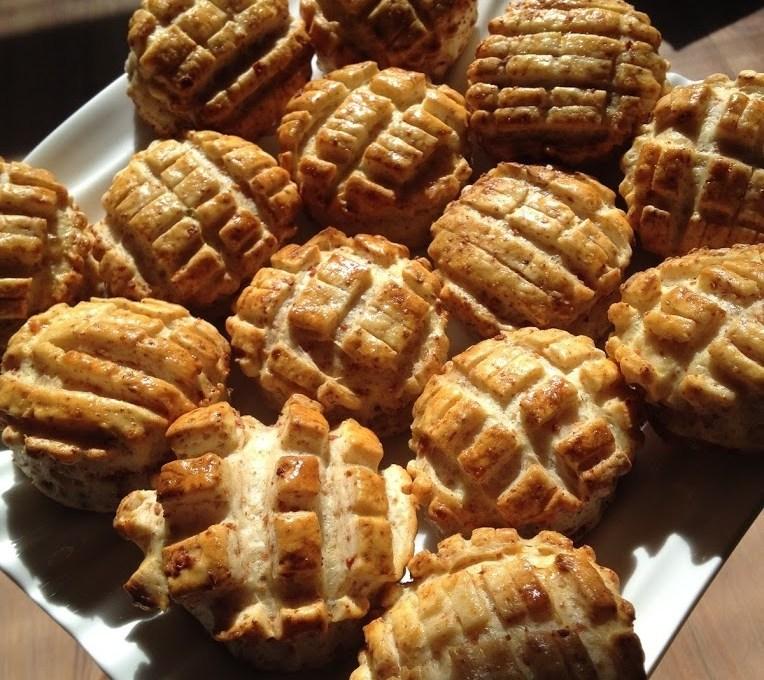 Hungarian Bacon Scones (tepertős pogácsa)