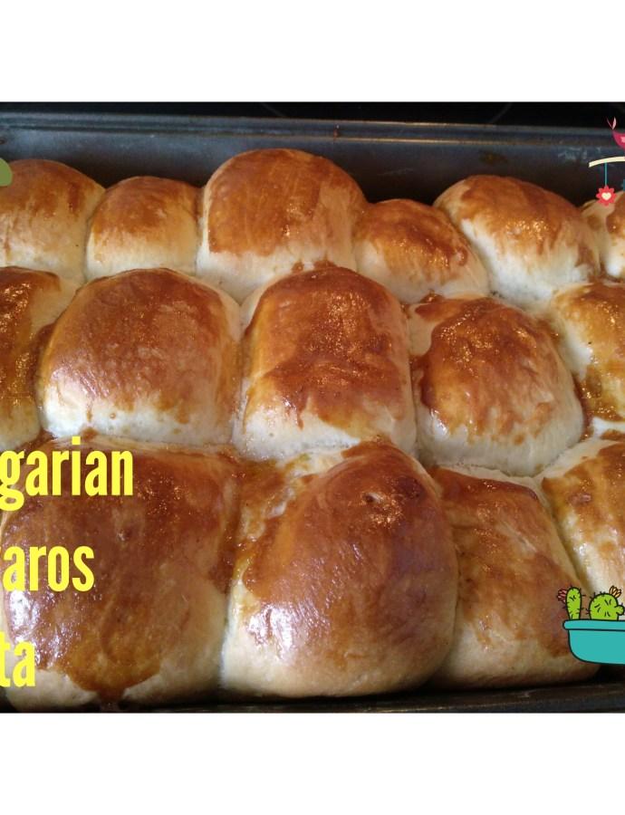 Lekvaros Bukta (Jam-filled Hungarian Sweet Buns)