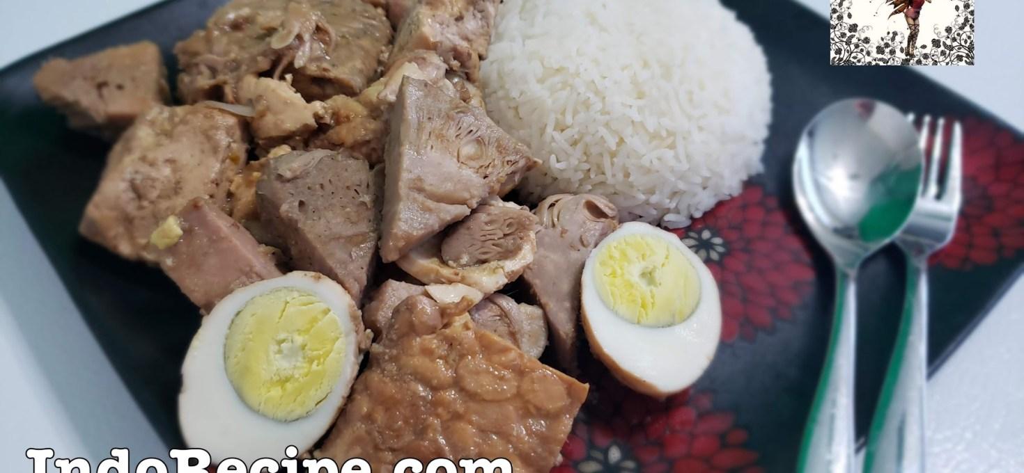 Gudeg Jogja (Jackfruit Stew)