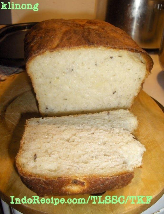 Burgonyás-köménymagos kenyér (Potato Caraway Bread)