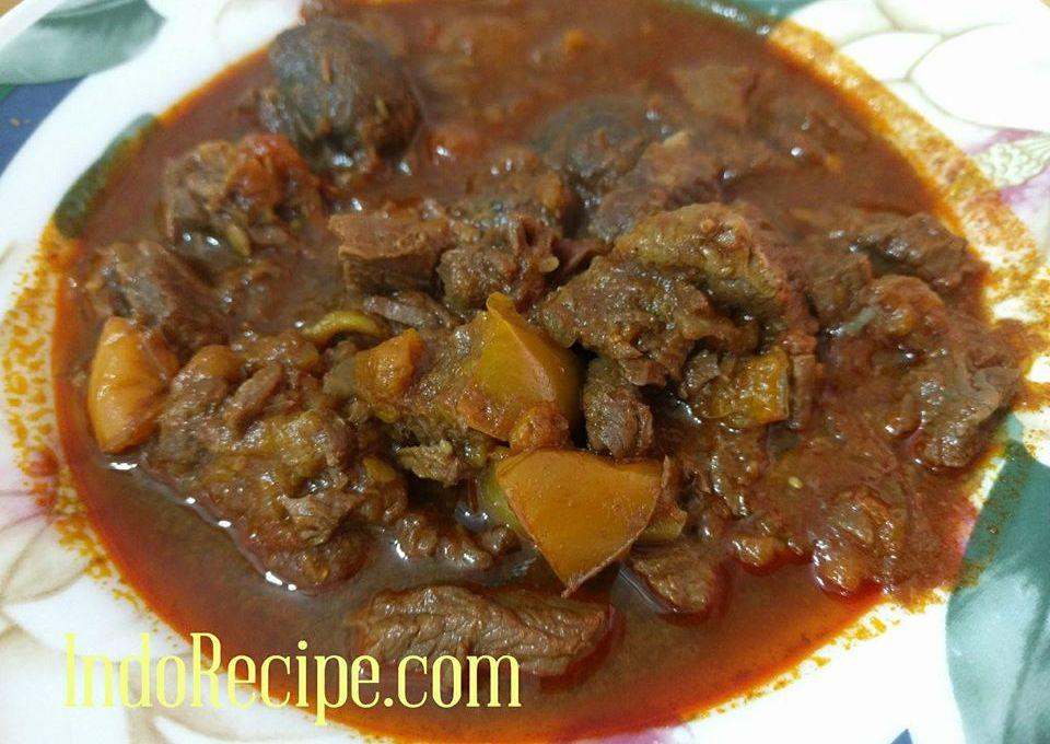 Porkolt (Hungarian Stew)