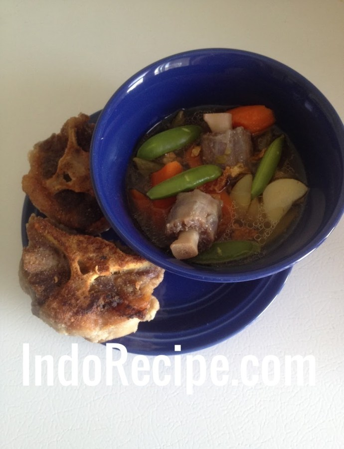 Fried Oxtail Soup (Sop Buntut Goreng)