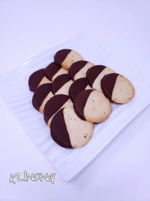 Black & White (Two-Tone) Coffee Cardamom Cookies