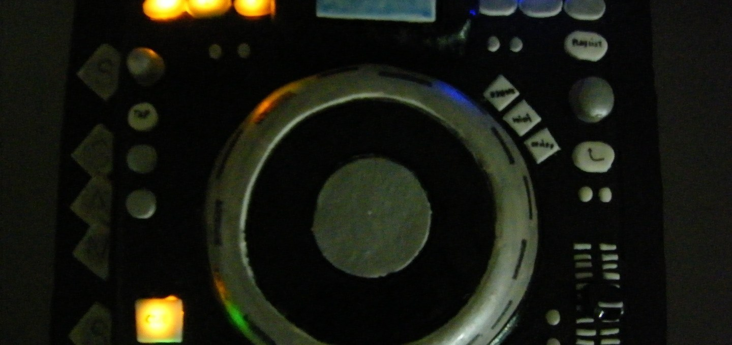 Lighted DJ Turntable Cake