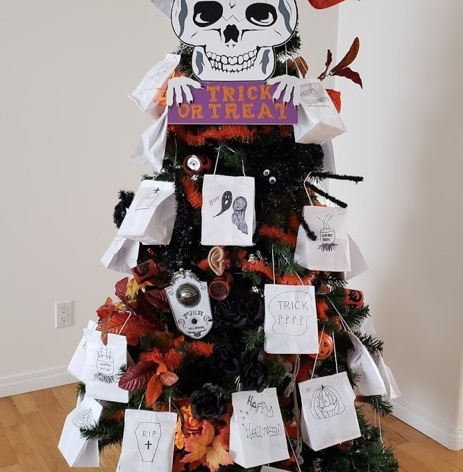 Self-serve Halloween Trick or Treat Tree (For Safer Halloween During Covid 19)