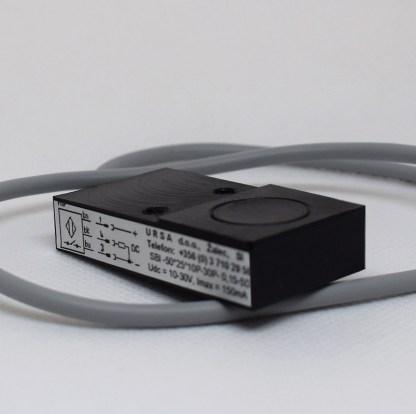 Induktivni senzor 50 x 25 x 12 mm DC slika 06