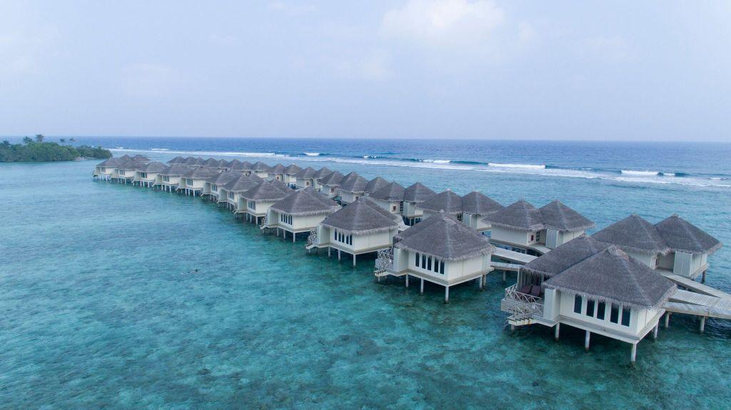 cheap overwater bungalows Maldives - Cinnamon Dhonveli