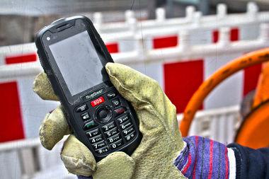 Smartphone rugerizado con teclado físico