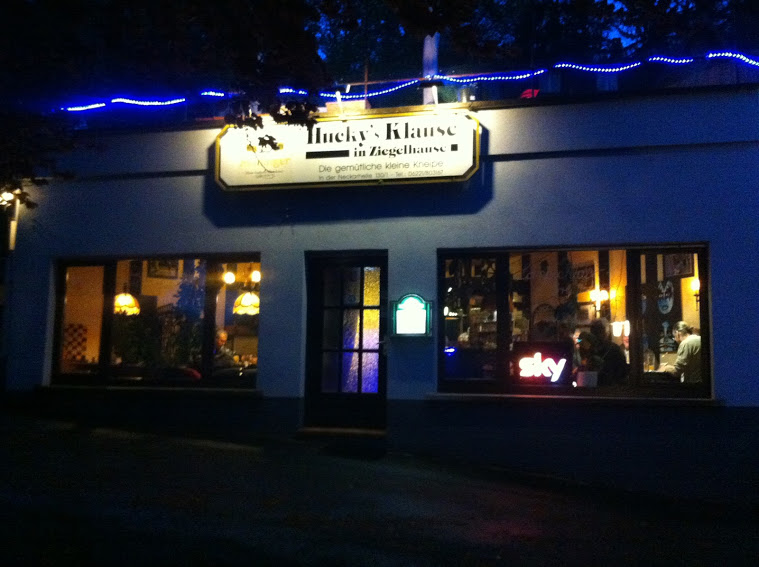 """Indy's BLOG – First Night Outside! """"Hucky's Klause"""""""