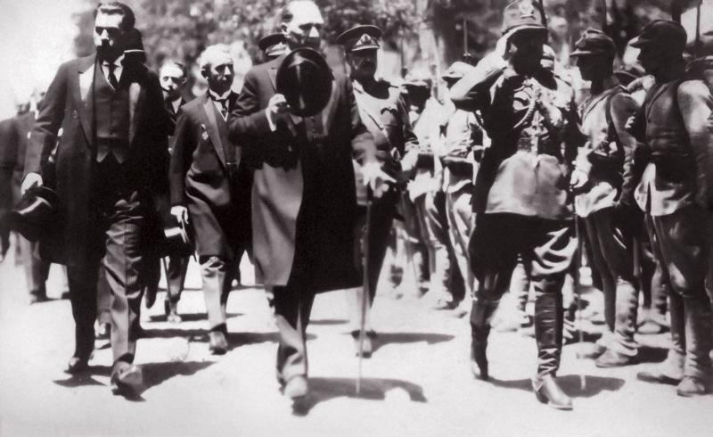 Hasan R. Tankut; Kemal Atatürk, İsmet İnönü ve FevziÇakmak'a etno-politik raporlar sunuyordu. .jpg