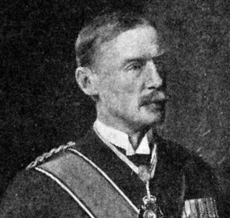 İngiltere'nin Mısır Valisi Henry McMahon, Şerif Hüseyin'i vaatlerle kandırdı.jpg