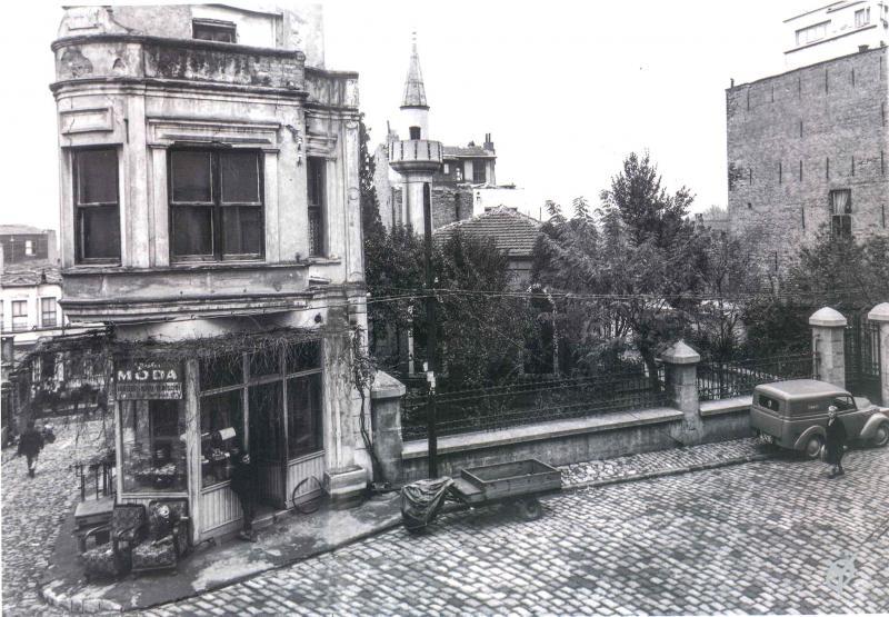 kadıöy göbek eski istanbul fotoğrafları arşivi.jpg