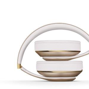 Beats Studio Wireless Over-Ear Headphone11