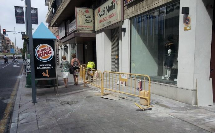 Empresa constructora reparación de pavimentos en calles Alicante