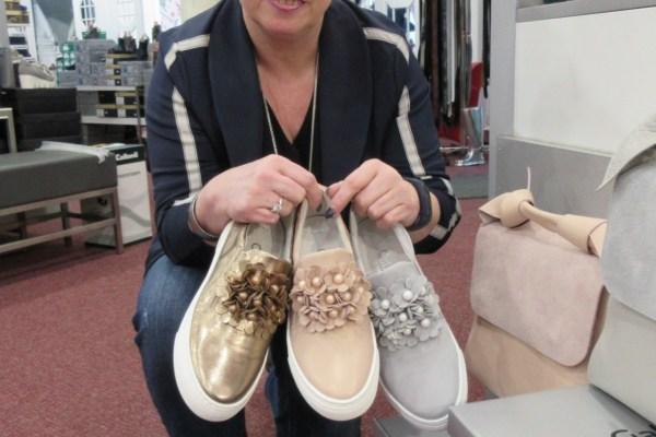 Sneaker von Gabor – ein Blütenhighlight
