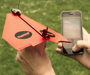 powerup-3.0-smartphone-controlled-paper-aeroplane