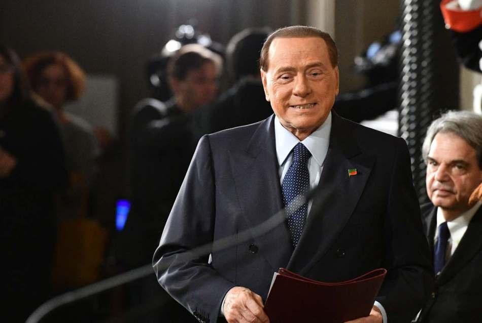 Berlusconi coronavirus vaccino