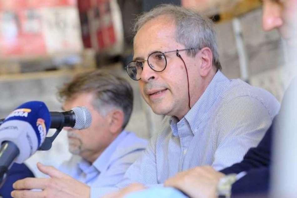 Andrea Crisanti, professore ordinario di microbiologia all'Università di Padova - Foto Facebook