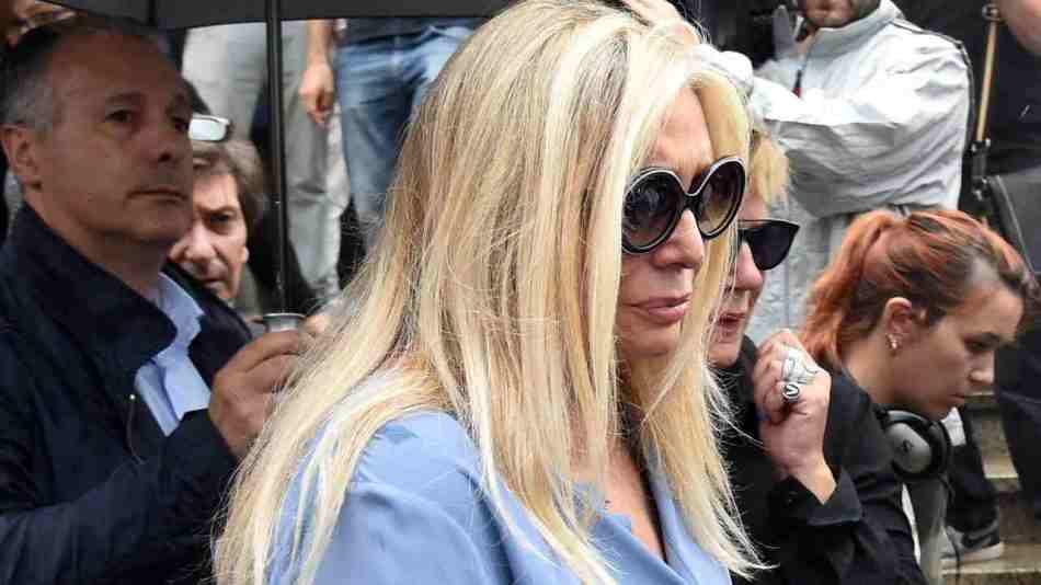 Mara Venier ai funerali di Paolo Limiti, anno 2017 (foto di Pier Marco Tacca/Getty Images).